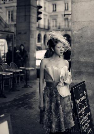 安以轩巴黎街头显时尚摩登图片