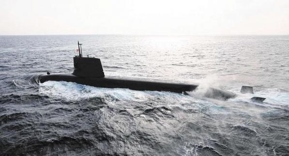 日本潜艇护卫舰闯入南海 驻地直指中国南沙群岛