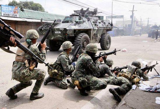 菲军与极端组织激战伤亡惨重 多名战士被斩首