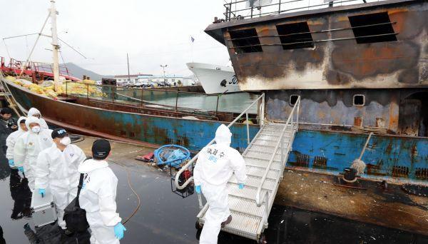 韩海警投震爆弹致3渔民死亡 中国船长反被起诉