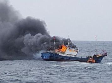 韩海警再次机枪射击中国渔船 本月内两度开火