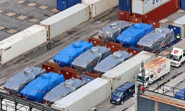 香港确认将归还新加坡装甲车 李显龙回函致谢
