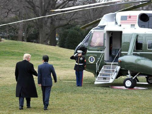 安倍告诉特朗普:日本将协助美国领导世界