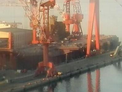 中国首艘国产航母已开始清理甲板?下水指日可待