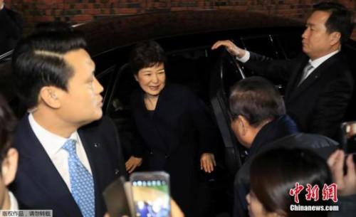 韩检方提请批捕朴槿惠 被控十余项罪名或获刑十年