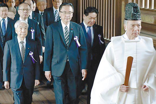 日本95名议员集体拜鬼 引起中韩等国严厉批评
