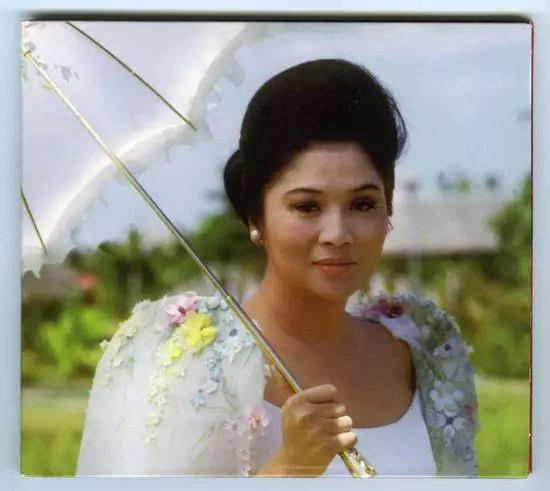 家境贫寒的选美小姐一越成为一国之母,生日宴却会成中毒现场-中国传真