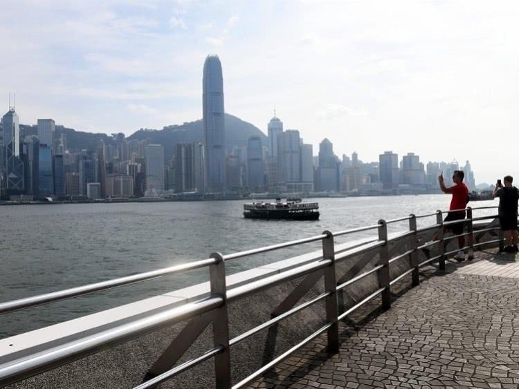 国庆黄金周香港出入境人数面临腰斩将仅有15个内地旅游团赴港