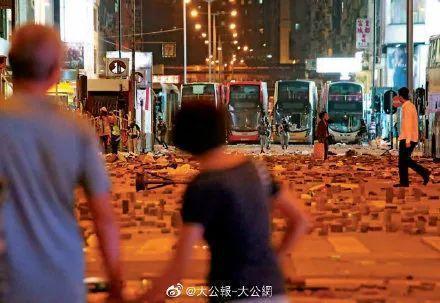 """用公款""""安置""""暴徒?香港纵暴派也太嚣张了"""