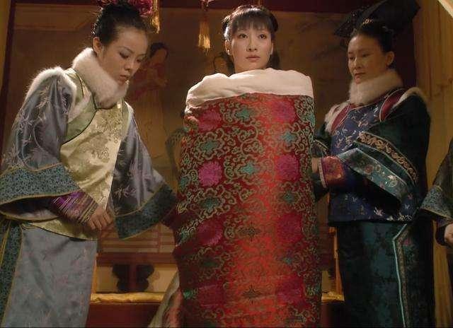 皇帝床上每晚都放一个木棒,妃子最害怕,专家说是为了方便皇帝