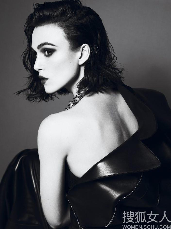 凯拉奈特莉红唇黑衣 演绎阴暗美学