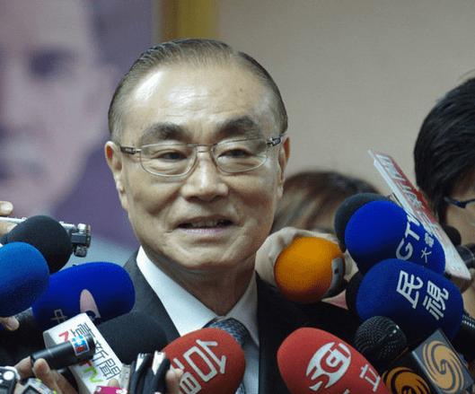 """台湾防务主管登顶Facebook""""最惹民怨阁员""""榜首"""