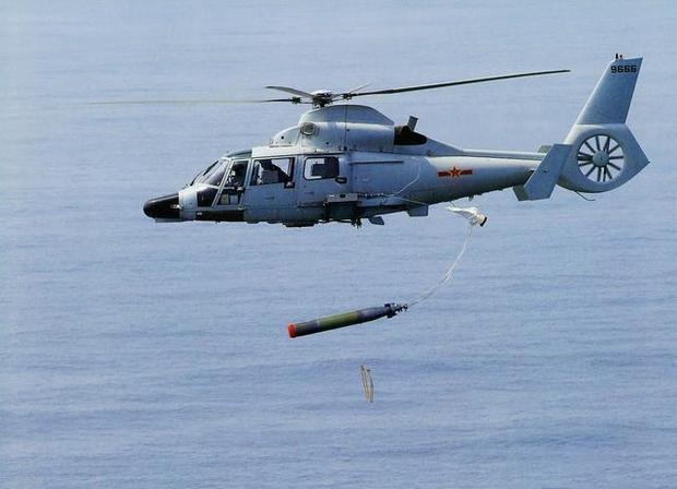 台媒:日本潜艇欲抵近辽宁舰 被直9狂追10公里