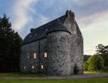 澳大利亚夫妇买下破败苏格兰古堡 将其改造成理想之家