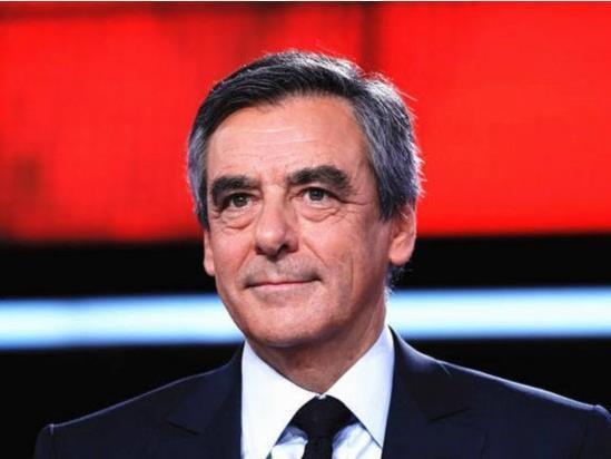 法国大选投票日仅剩3天 华人支持的竟是他?