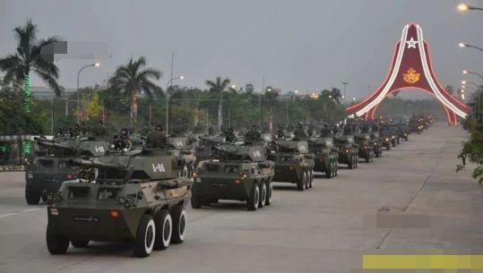 难怪最近三哥不爽:300辆中国坦克全开在印度家门口!