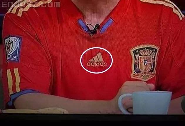 真球迷伪球迷都需要的世界杯发圈指南