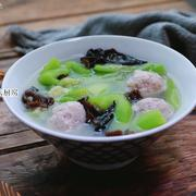 一款很清爽的汤,荤素一锅煮,简简单单也很鲜美