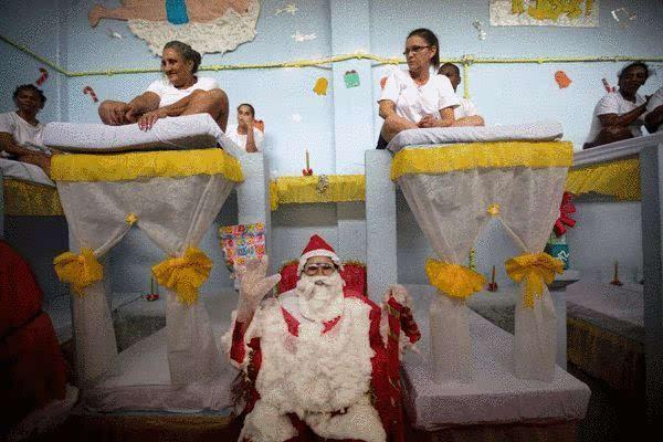 最漂亮的监狱 巴西女囚比赛装饰牢房迎接圣诞图片