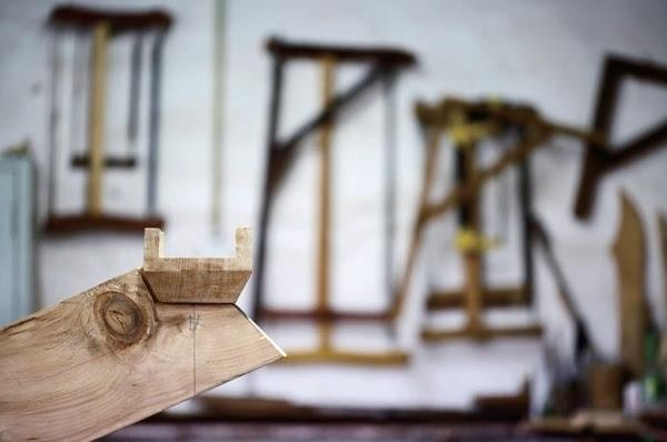 的鎏金斗拱中的木头构件