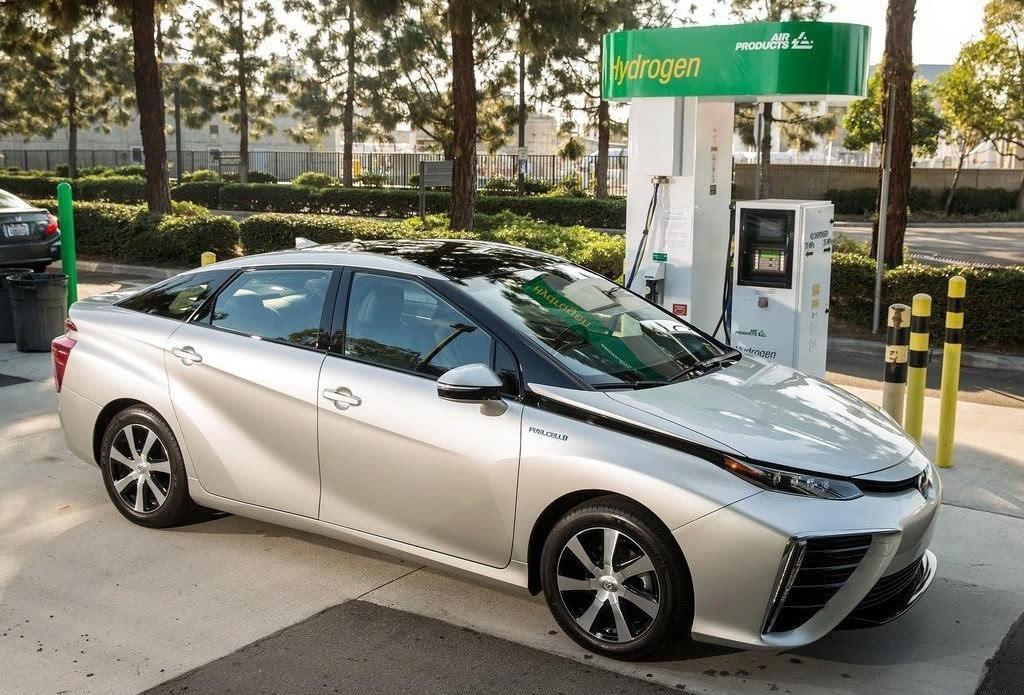 丰田氢燃料电池车mirai