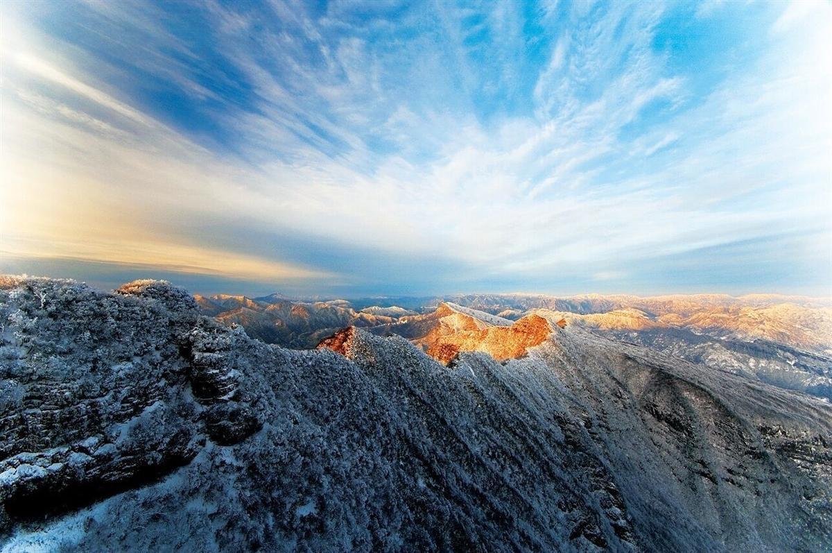 光雾山旅游揽金6.2亿 看过红叶还可览冰挂