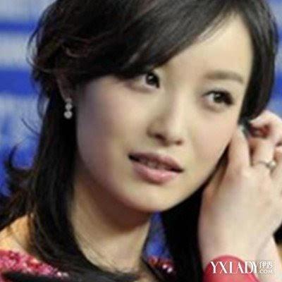 揭秘李宇春倪妮的关系 两人同行可谓默契十足