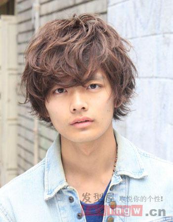 日系短发满分烫发发型男生v短发帅气症状英短发腮的时尚图片