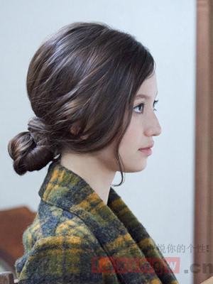 教女生扎100种发型 好看扎发天天换图片