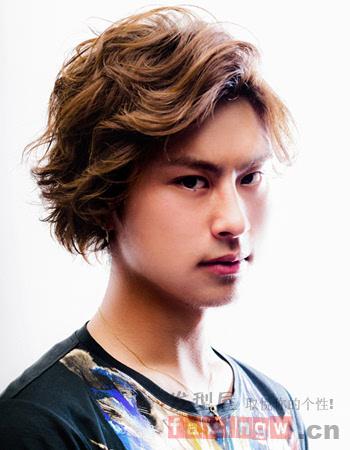 日系男生短发烫发发型