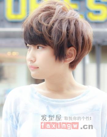 cn编辑:alice 被关注:次 可爱的假小子风格被不少女生青睐,给短发打蓬