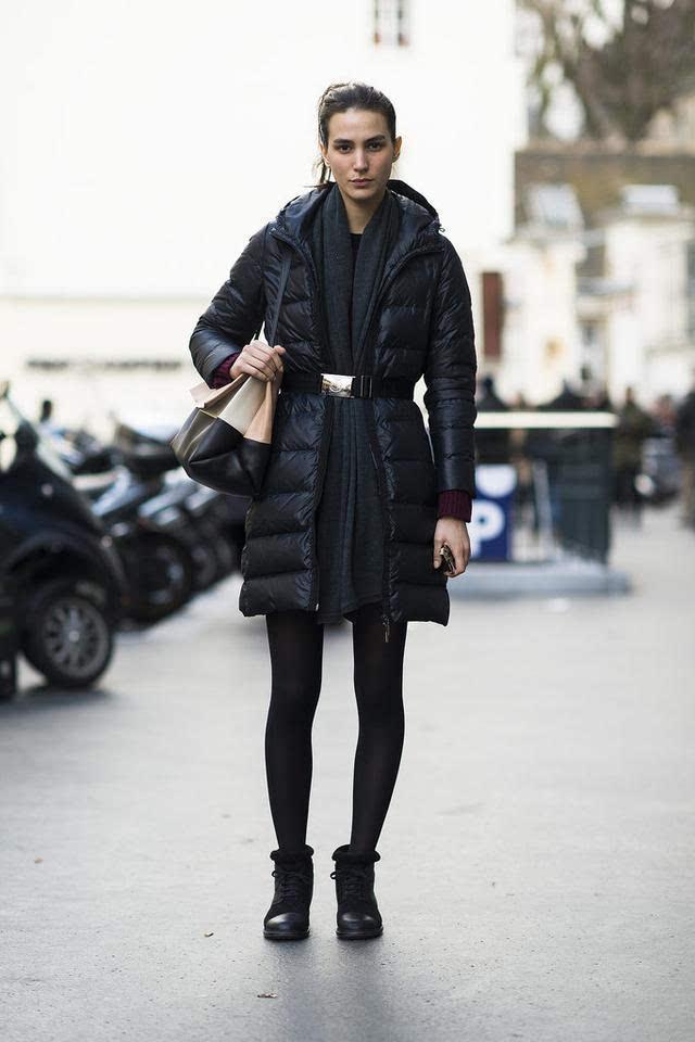 明星示范:冬季羽绒服如何搭配穿出时尚感