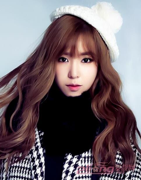 韩式长卷发发型 头发颜色:【亮棕黄色】 亮棕黄色的染发可以瞬间提升图片