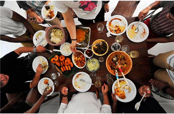 我们总希望能一家人齐齐整整吃顿饭 组图