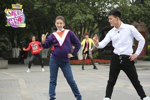 导演组表示《一起怀孕吧》将通过蒋丽莎,喻雯,林珠等孕妈们不一样的图片