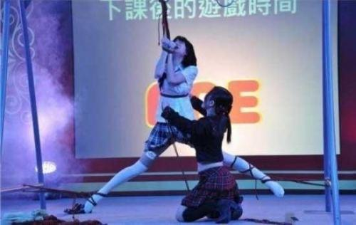 澳门亚洲成人展 av女优表演sm人体盛宴大尺度完爆苍井空