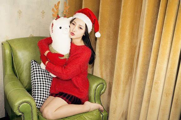 图集:柳岩圣诞表情包&圣诞写真图片