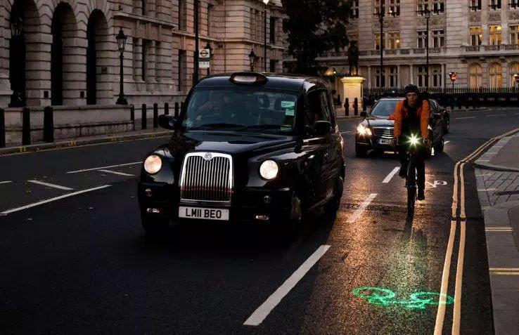 伦敦所有公共自行车上将安装 Blaze 激光投射灯