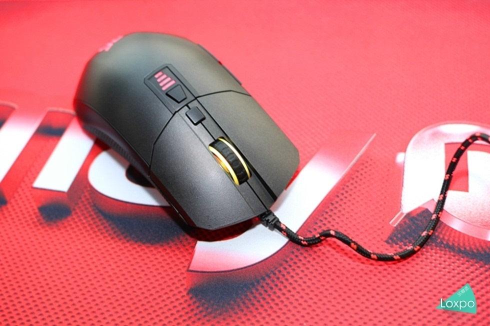 异极Epicgear游戏鼠标开箱体验-品外设