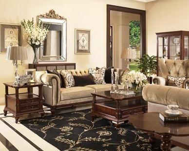 深色铮亮的胡桃木色的效果诠释着皇室家具的精巧