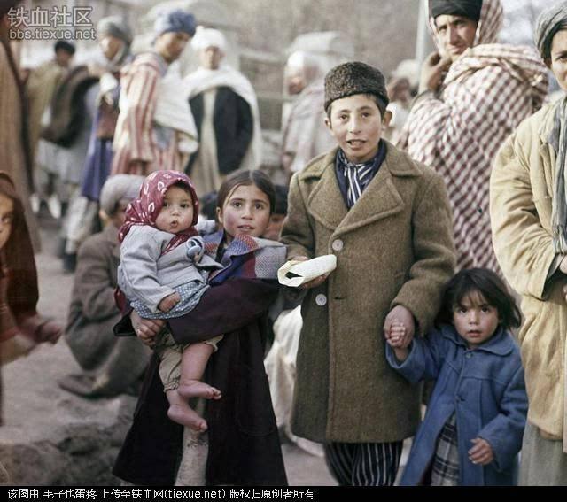 阿富汗喀布尔街道上的水果摊