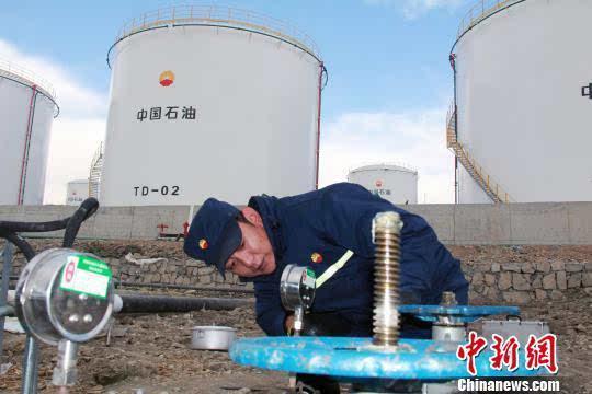米玛顿珠介绍,改造后的那曲油库是西藏自动化,信息化程度最高油库