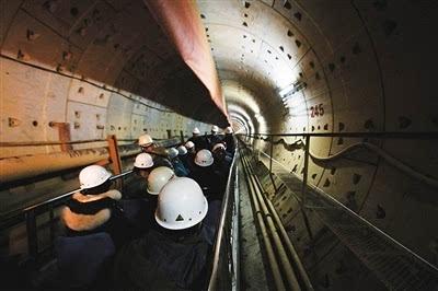 城市地铁隧道成功穿越黄河