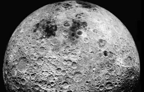 外星人基地?NASA拍到月球背面神秘坑洞