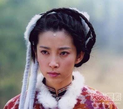 那个时候蒋欣在《聊斋志异》中扮演一个蛇妖