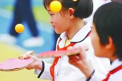 日乒乓神童2岁练球8岁无敌 教孩子打乒乓球有