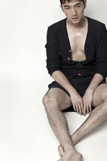 胡歌大腿毛写真 网友:自带毛衣裤可还行