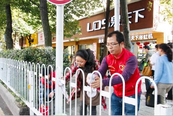 人口老龄化_贵阳市人口2011年