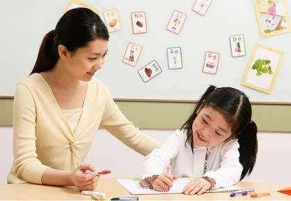 国超七成父母 陪孩子写作业图片