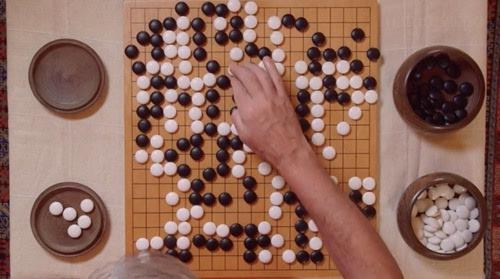 围棋下法复杂,一般认为围棋的对弈软件开发